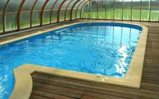 Вода в бассейне свободна от бактерий и … запаха